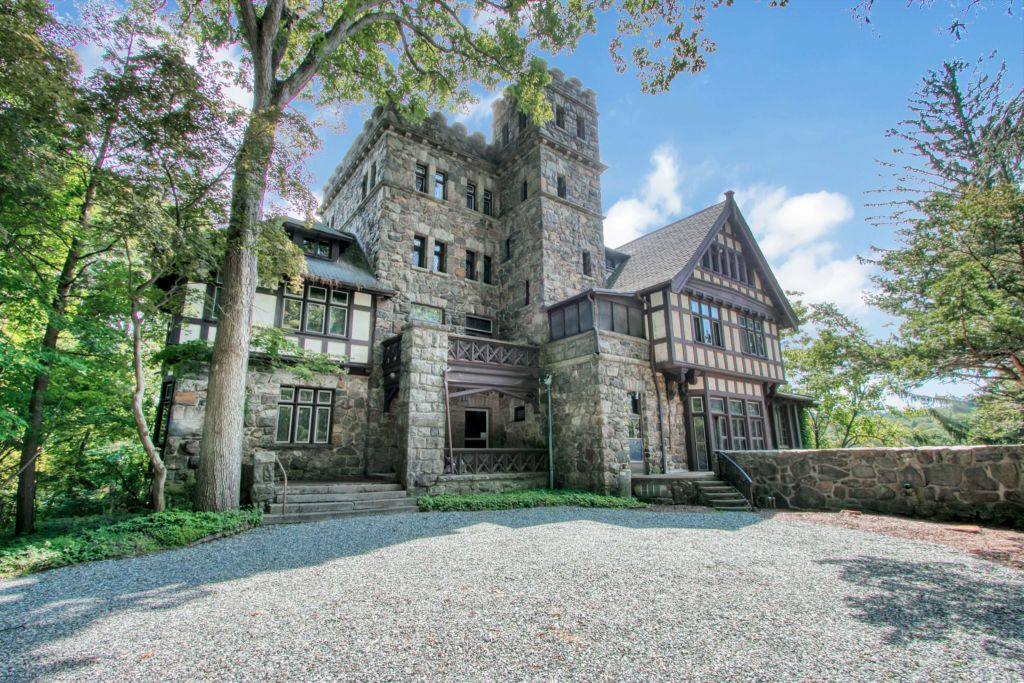 The 10 Most Stunning Gated Communities in America 2